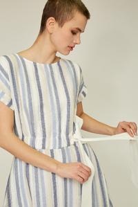 Блакитне плаття з бантом на талії — 30092P