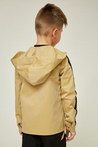 Вітровка з капюшоном кольору тоффі на хлопчика — K60051