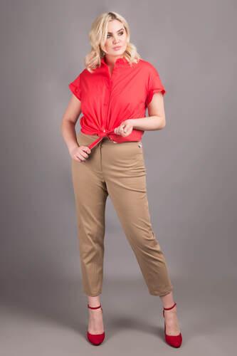 Жіночі коричневі укорочені брюки — P30014P